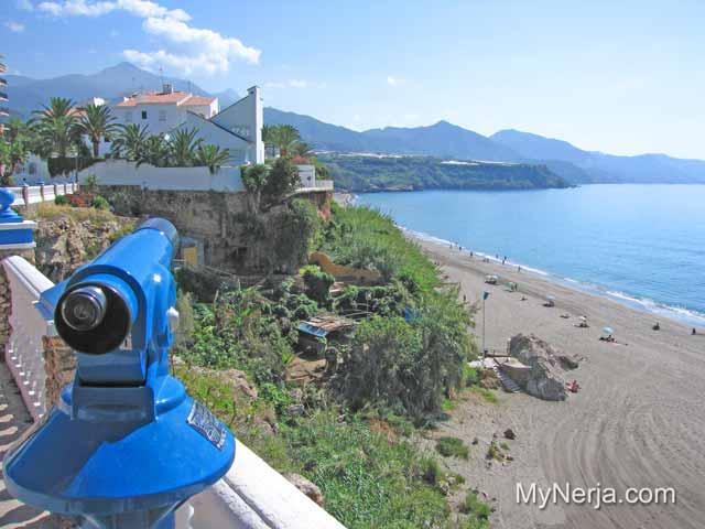 Vista de Playa Carabeillo Nerja del Balcon de Carabeo