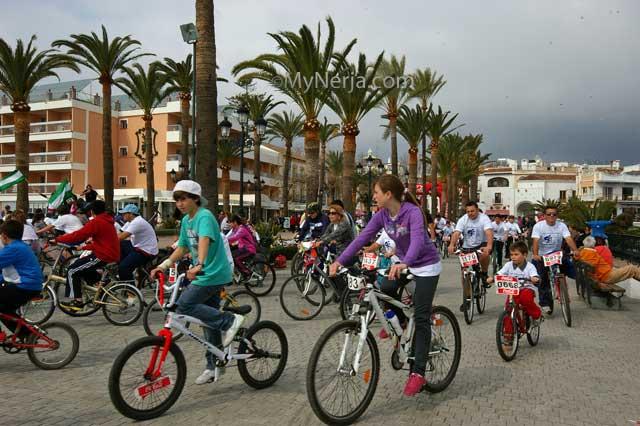 Dia Del Pedal Finish on the Balcon de Europa