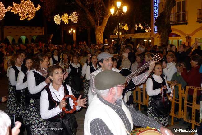 Christmas folk singing