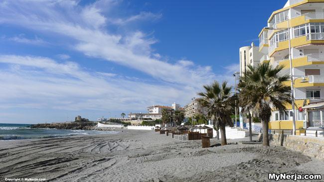 <!--:en-->Torrecilla Beach, Nerja, This Morning<!--:-->