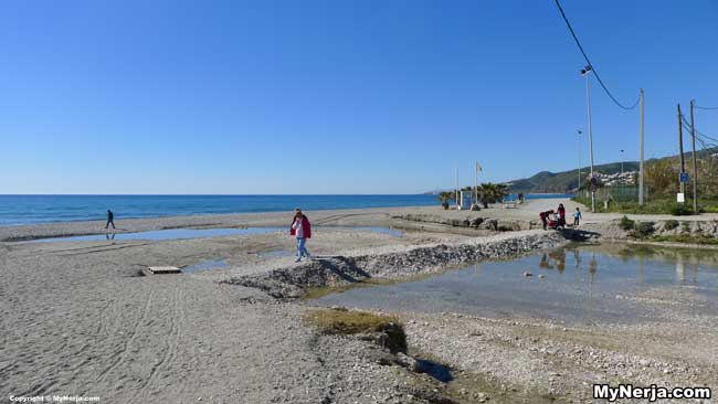 Two New Foot Bridges For Playazo Beach Nerja Planned