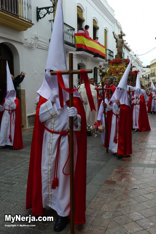 Easter sunday procession photos semana santa 2013 nerja for Is there any shops open on easter sunday