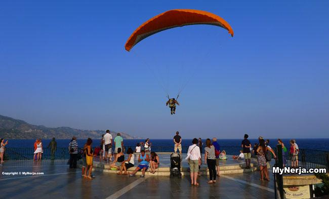 Paraglider Balcon de Europa Nerja